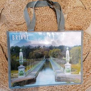 CABA souvenir avec vues du Pont Canal de Briare